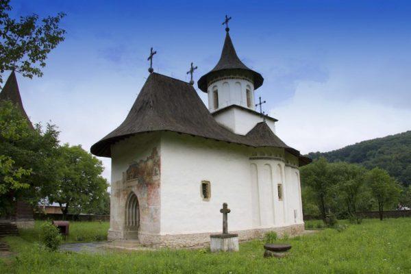 Biserica-Patrauti-1024x683