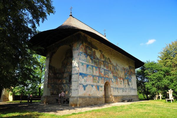 manastirea-arbore